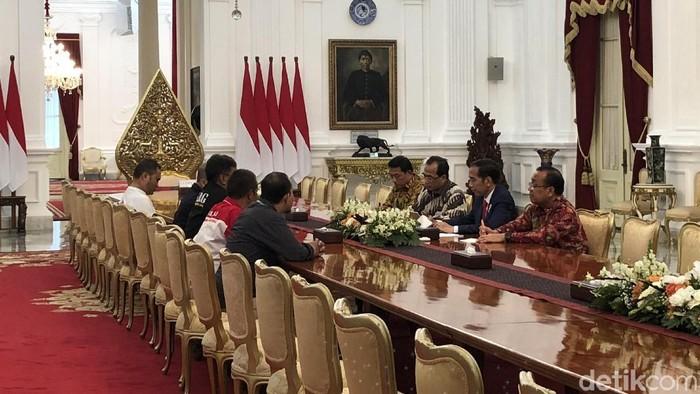 Presiden Jokowi bertemu perwakilan driver ojek online di Istana, Selasa (27/3/2018) Foto: Ray Jordan-detikcom