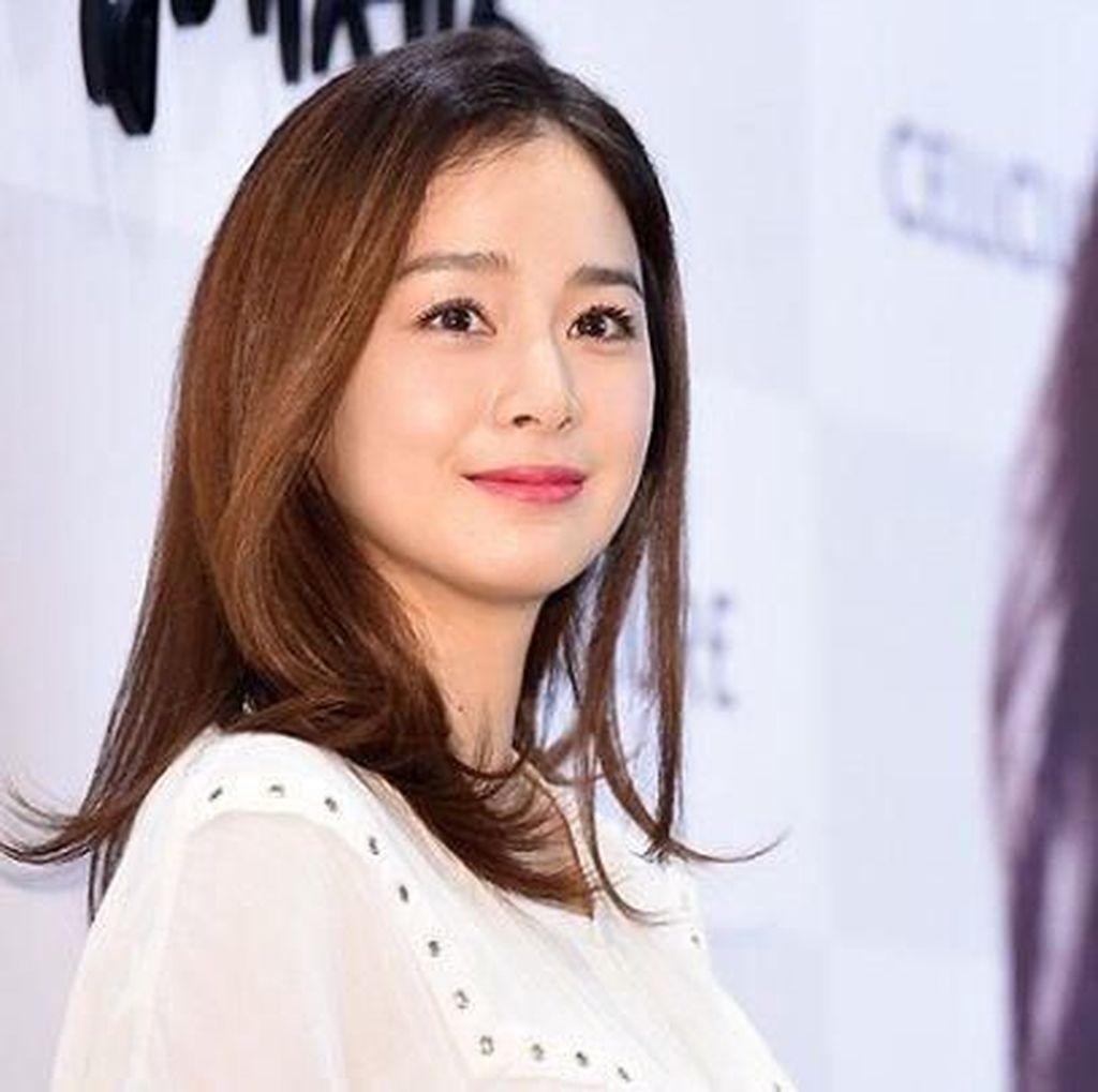 Kim Tae Hee Kembali ke Dunia Akting Setelah 5 Tahun Vakum