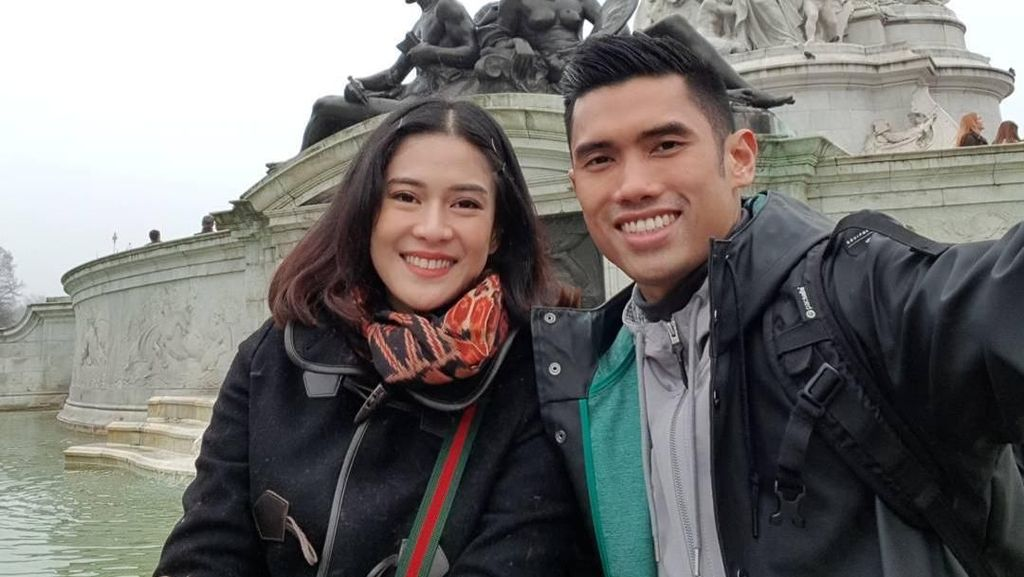 Suami Dian Sastro Mangkir Panggilan KPK, Yulia Mochamad Buka Suara