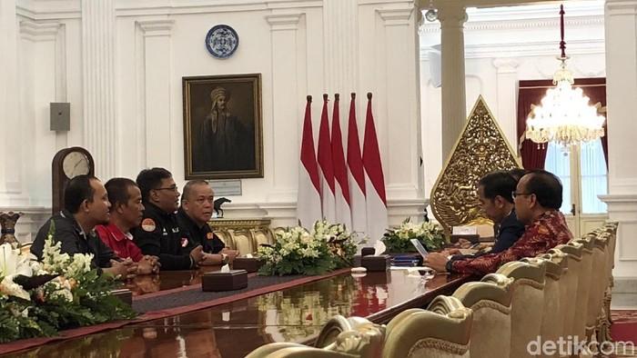 Presiden Jokowi bertemu perwakilan driver ojek online di Istana, Selasa (27/3/2018) (Ray Jordan/detikcom)