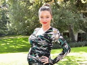Baru 10 Bulan Lalu Melahirkan, Miranda Kerr Sudah Hamil Anak Ketiga