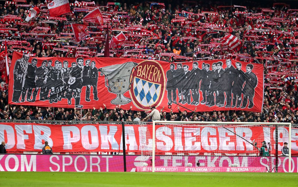 Soccer Football - Bundesliga - Bayern Munich vs Hamburger SV - Allianz Arena, Munich, Germany - March 10, 2018   Bayern Munich fans display a banner before the match    REUTERS/Michael Dalder    DFL RULES TO LIMIT THE ONLINE USAGE DURING MATCH TIME TO 15 PICTURES PER GAME. IMAGE SEQUENCES TO SIMULATE VIDEO IS NOT ALLOWED AT ANY TIME. FOR FURTHER QUERIES PLEASE CONTACT DFL DIRECTLY AT + 49 69 650050