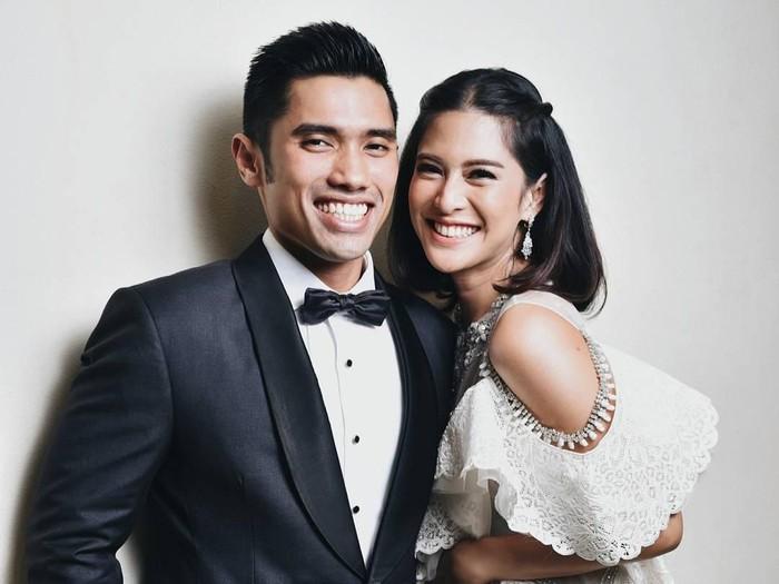Dian Sastro dan suaminya yang sedang diperiksa KPK. (Foto: Dok. Instagram/therealdisastr)