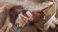 Aktris Amerika di era 60an, Tippi Hedren juga memiliki hewan peliharaan yang tak kalah unik yakni Singa. (Dok. Instagram)