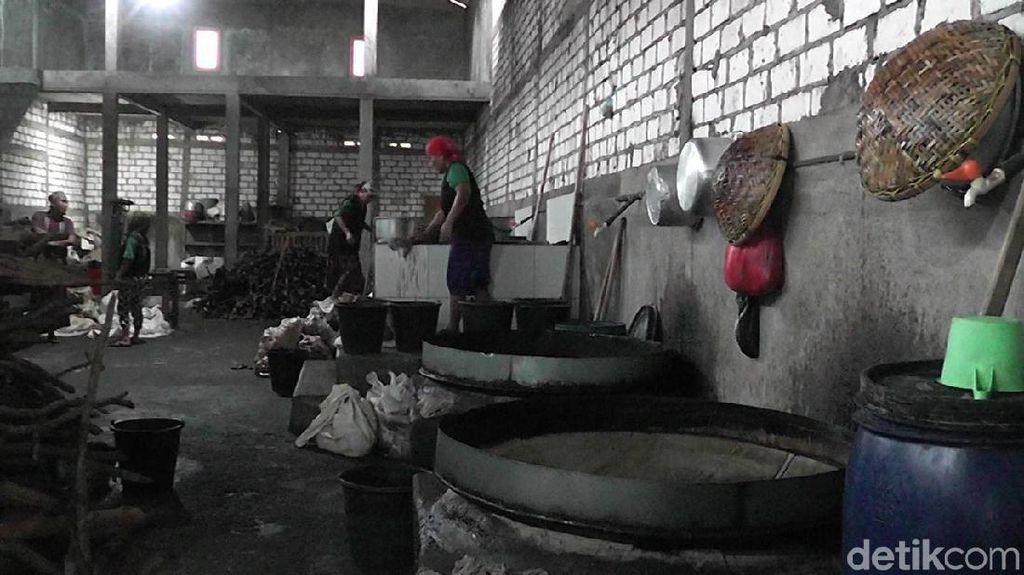 Proses Pembuatan Kecap Siwalan Khas Rembang yang Buka Sejak 1985