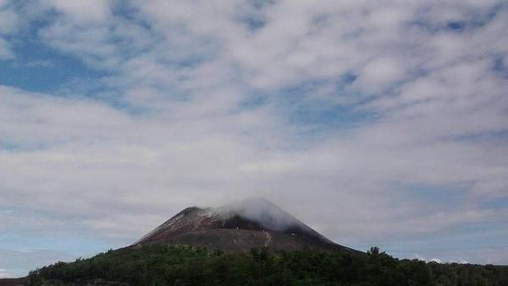 Krakatau yang Tak Pernah Habis Pesonanya