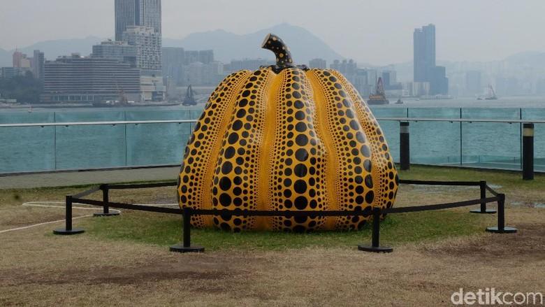 Pumpkin karya Yayoi KusamaFoto: (Agnes/detikhot)