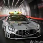 Ngebut dengan Safety Car Formula 1 Paling Kencang yang Pernah Ada