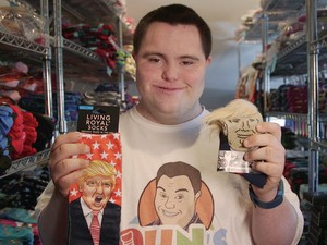 Pria Down Syndrome Sukses Bisnis Kaus Kaki Bernilai Miliaran Rupiah
