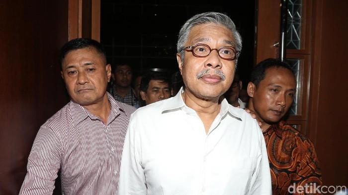 Gubernur Nonaktif Sulawesi Tenggara (Sultra) Nur Alam mendengar vonis hakim di PN Tipikor, Jakarta, Rabu (28/3).