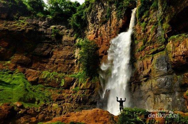 Jika mencari gambar Ciletuh di internet, maka banyak foto-foto air terjun. Terang saja, ada sekitar 13 air terjun di sana (Rudi Hartono/dTraveler)