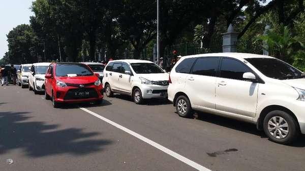 Permenhub 108 Dicabut, Kemenhub Siapkan Aturan Baru Taksi Online