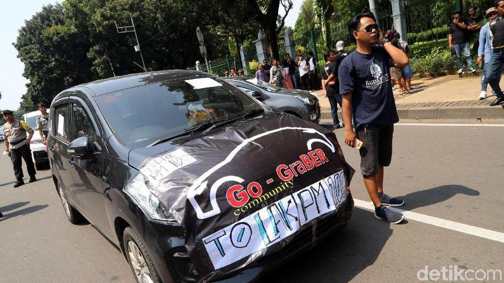 MA Cabut Aturan Taksi Online, Ini Kata Organda