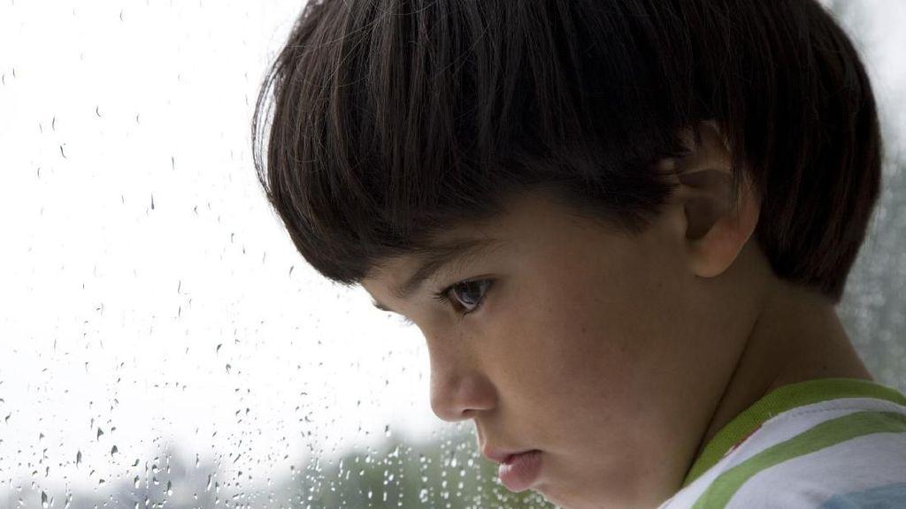 Jangan Remehkan, Tertekan dan Tertolak Bisa Picu Anak Bunuh Diri