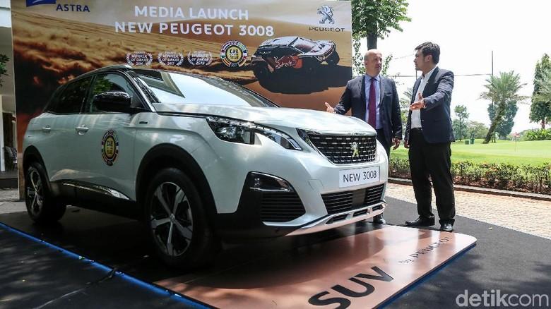 Peugeot 3008 diluncurkan di kawasan Senayan, Jakarta Foto: Ari Saputra