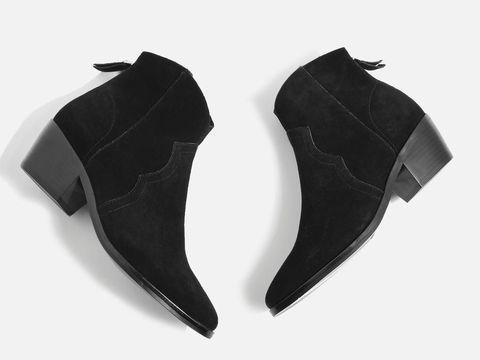 Baju Hingga Sepatu yang Simpel Tapi Stylish untuk Liburan Akhir Pekan