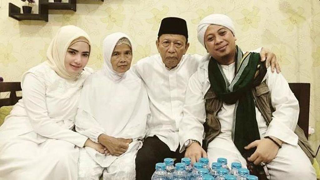 Diisukan Jadi Istri Opick, Yulia Mochamad Merasa Dirugikan