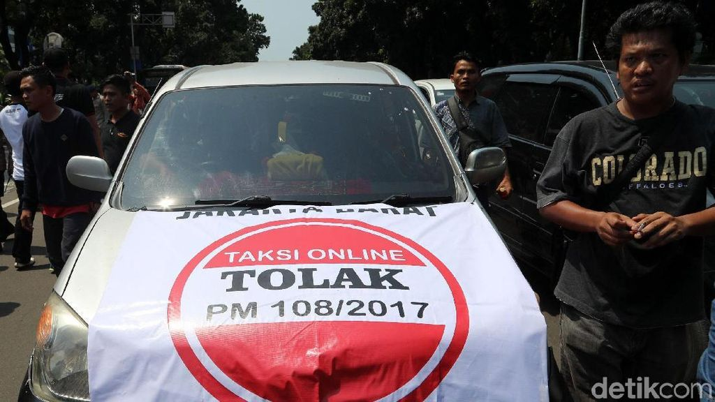 MA Cabut Permen 108, Ini Aturan Taksi Online yang Bakal Hilang