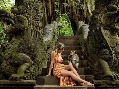 Ketika Mantan Model Playboy Liburan ke Bali, Ini yang Terjadi