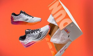 Meriahkan Boston Marathon, Dunkin Donuts Perkenalkan Sepatu Lari Keren