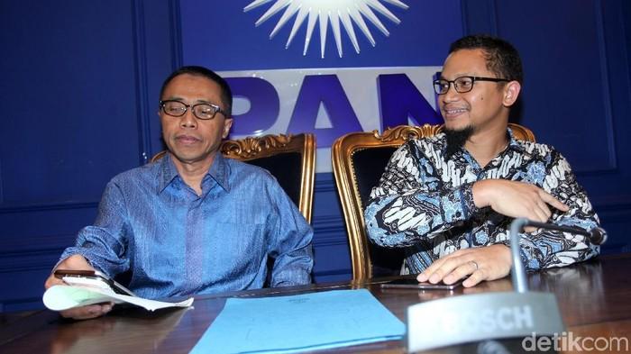 Dradjad Wibowo (kiri) dan Hanafi Rais (Lamhot Aritonang/detikcom)