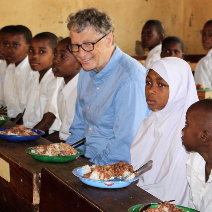 Memiliki nama panjang William Henry Bill Gates III, Bill merupakan tokoh bisnis, investor, sekaligus filantropis ternama di Amerika. Dia bisa menikmati apa saja dan apa adanya. Foto: Istimewa