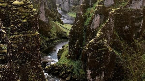 Lembah yang berada di Islandia ini termasuk pada salah satu lembah terindah di dunia. (kubovcikova/Instagram)