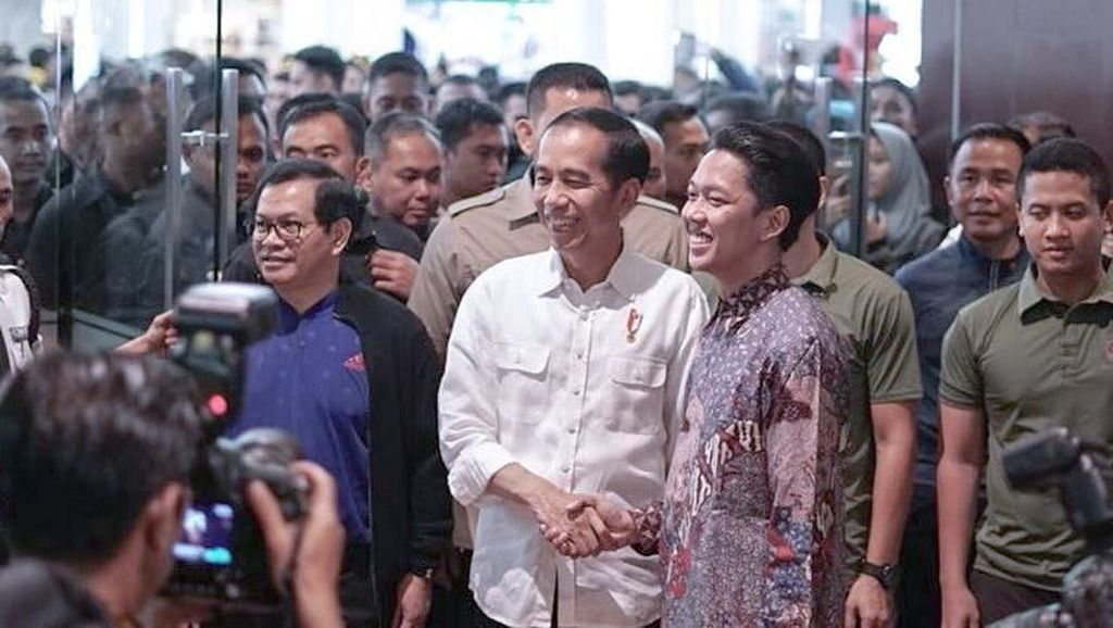 Usai Bagikan Sertifikat Tanah, Jokowi Nonton Bioskop di Malang