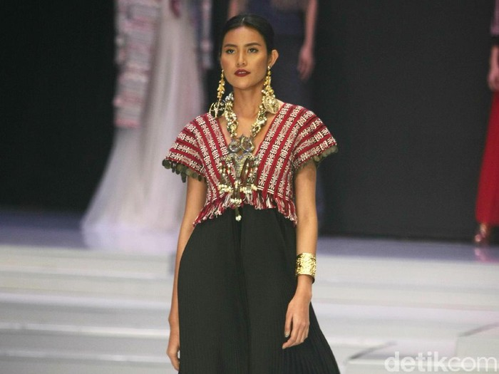 Fashion show Great Toba di Indonesia Fashion Week. Foto: Mohammad Abduh/Wolipop