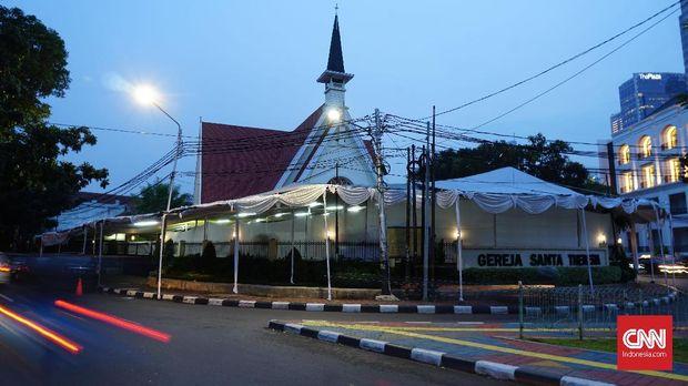 Meraba Wajah Jakarta Lewat Gereja