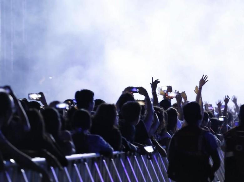 Ilustrasi penonton konser. Foto: Hanif Hawari