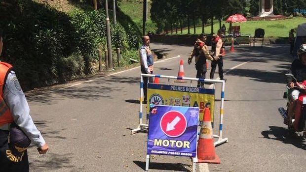 Lalin dari Puncak ke Cianjur ditutup mulai perkebunan teh Gunung Mas