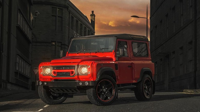 Land Rover Defender Versi Modifikasi Foto: dok. khan design