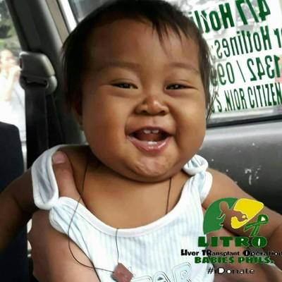 Ibu kumpulkan uang receh demi biaya pengobatan bayinya. Foto: Dok. Facebook