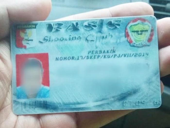 Kartu berlogo Perbakin yang disita dari pengemudi koboi. Polisi tengah mencari sosok di kartu tersebut. (Foto: dok. Istimewa)