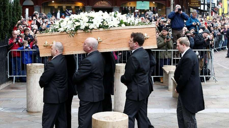 Para Selebriti di Pemakaman Stephen Hawking