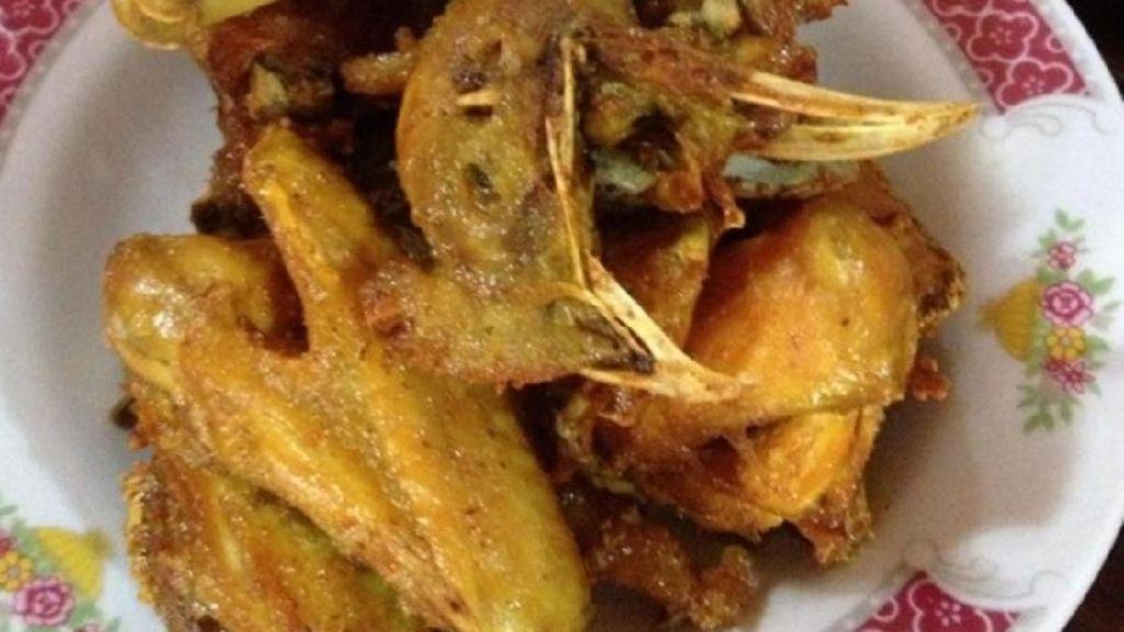 Begini Lezatnya Ayam Goreng Plus Sambal Blondo Favorit Presiden Jokowi
