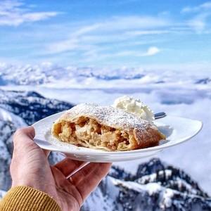 Menikmati Lezatnya Makanan Dengan Pemandangan Indah di Belahan Dunia