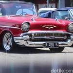 Nostalgia! Aneka Mobil Klasik Nongkrong Bareng di Karawaci
