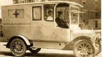 10 Potret Jadul Mobil Ambulans Ratusan Tahun Lalu, Bentuknya Unik-unik