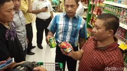 Ramai Makarel Kandung Cacing, Satgas Pangan Cirebon Sidak Swalayan