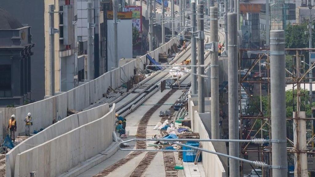 Pembangunan Jalur Kereta Api Era Jokowi Masih Jauh dari Target