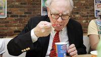 Pria Ini Rela Bayar Rp 64 Miliar Agar Bisa Makan Siang Bareng Warren Buffett