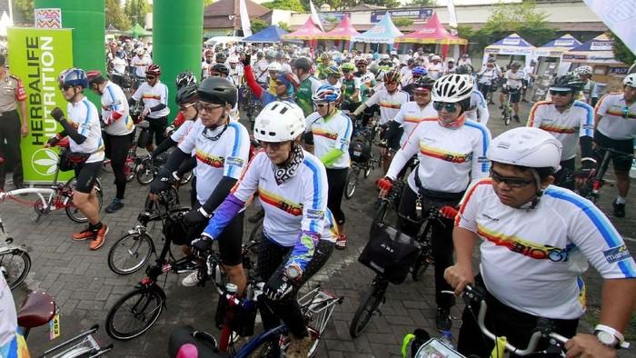 Komunitas Brompton Indonesia kampanye hidup sehat dengan gowes sepeda. (Foto: dok. BOGI)