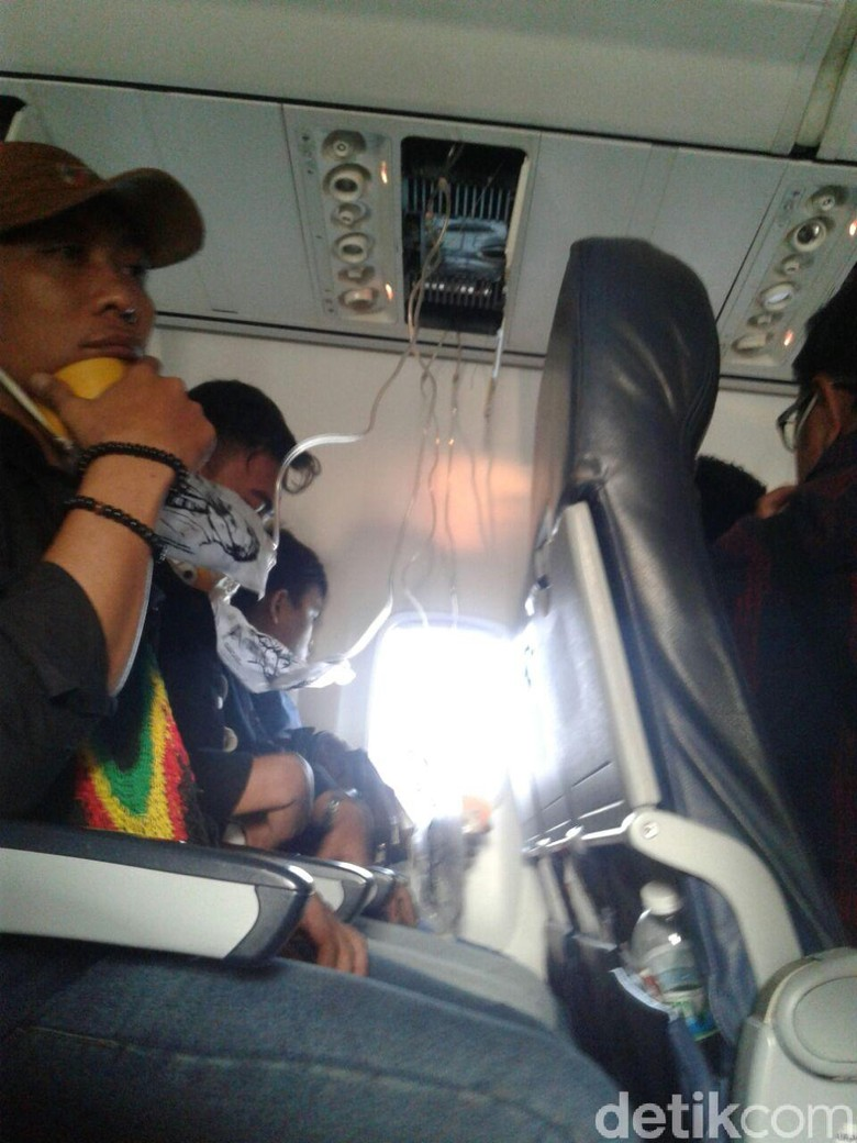 Foto: Suasana Panik Saat Lion Air Mendarat Darurat di Palembang