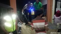 Mendebarkan! Polisi Ini Bantu Persalinan di Mobil Patroli Back Bone