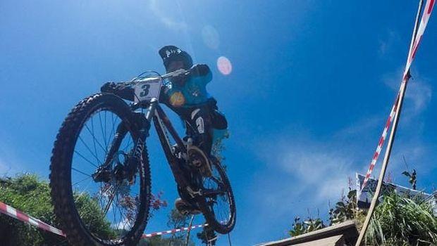 Memperkenalkan Urban Downhill kepada Penggemar MTB
