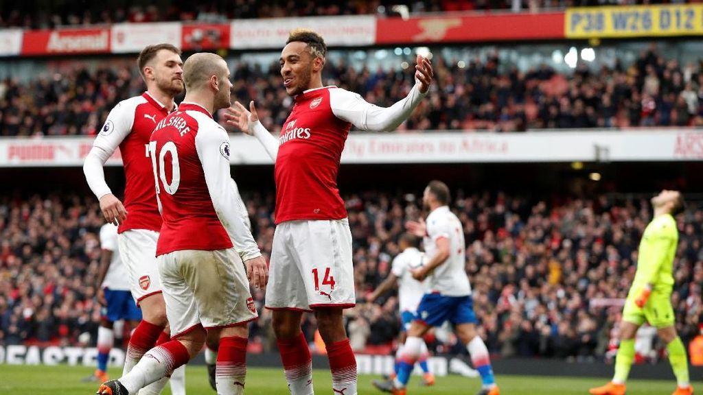 Aubameyang Cetak Dua Gol, Arsenal Hantam Stoke 3-0