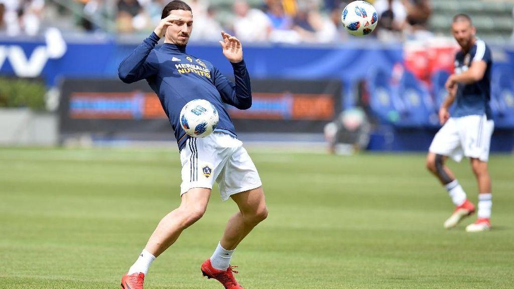 Kalah Taruhan, Ibrahimovic Akan Pakai Jersey Inggris di Wembley