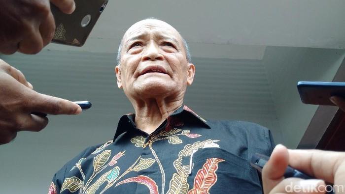 Foto: Buya Syafii mendesak Kominfo tutup akun medsos cuci otak teroris (Ristu Hanafi/detikcom)